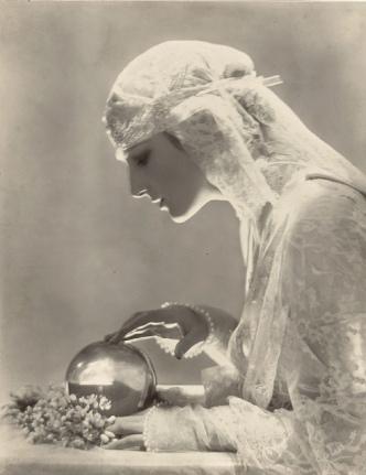 'Dolores' by Adoph de Meyer 1919
