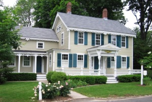 Gingerbread_House_Essex_CT via wikipedia