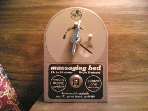 magic-fingers-vibrating-bed-coin-box-close-up